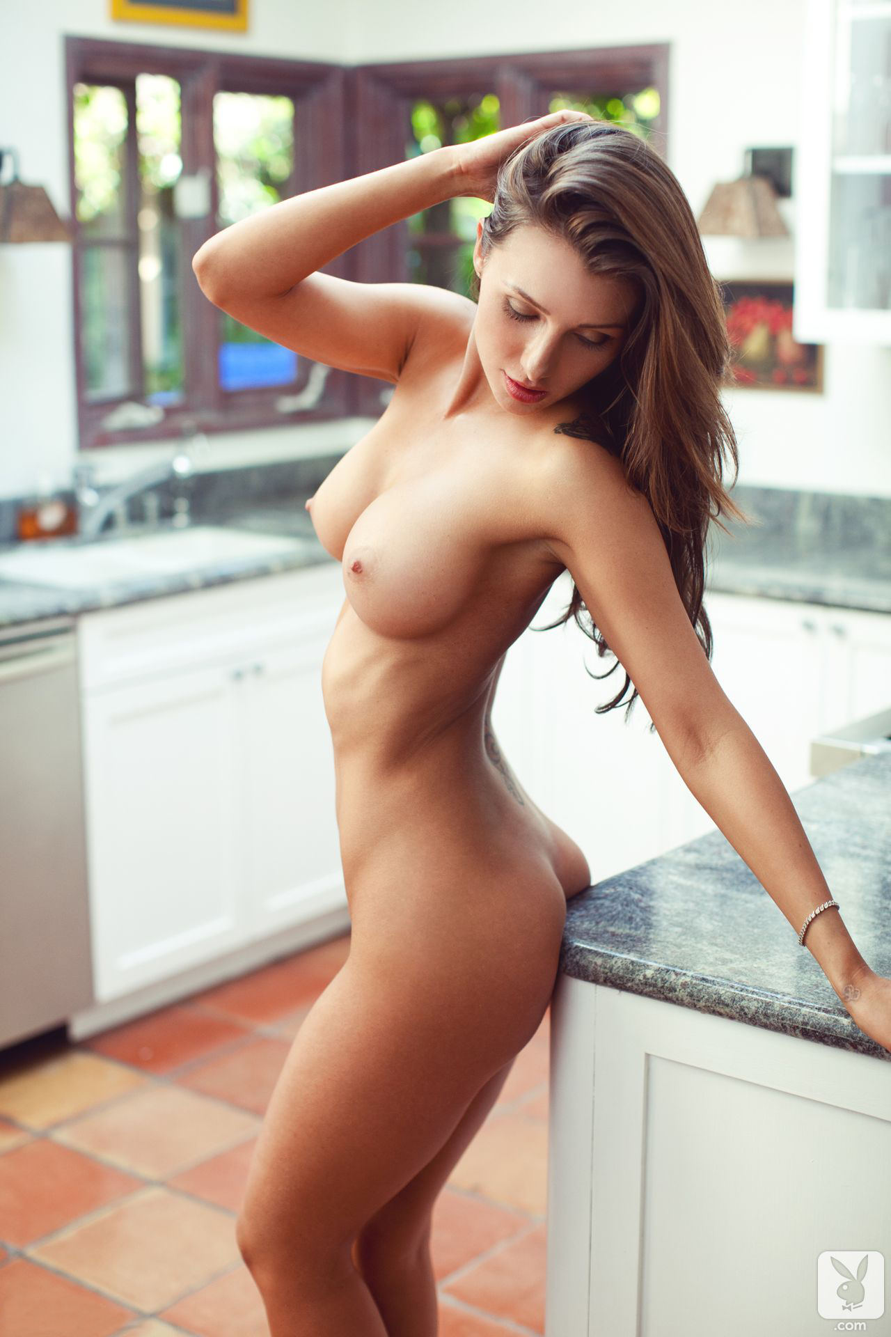 sexy women in the kitchen pics